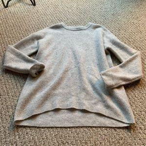 Aritzia sweater sz small